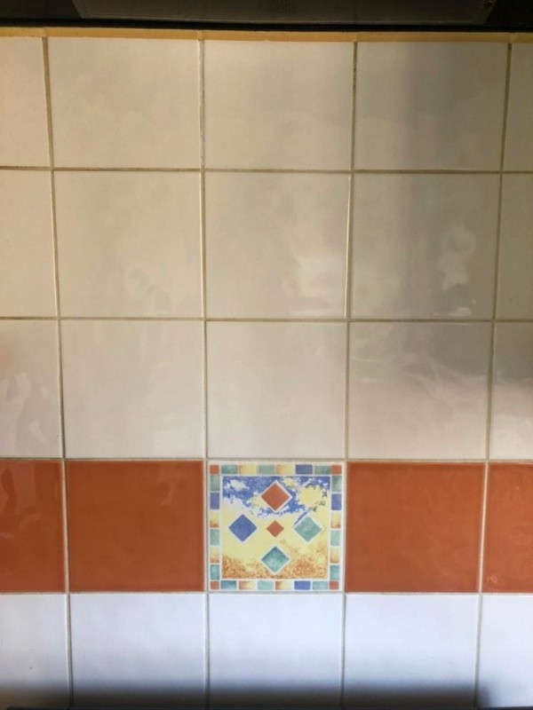 cleaning kitchen grout